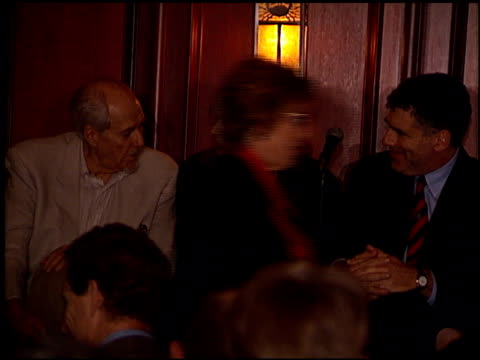 elliott gould at the m*a*s*h 25th anniversary with afi on november 6 1995 - elliott gould stock videos & royalty-free footage