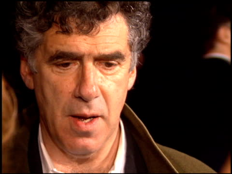 elliott gould at the 'ready to wear' premiere on december 20 1994 - elliott gould stock videos & royalty-free footage