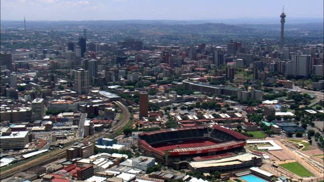 vídeos de stock e filmes b-roll de ellis park stadium  - aerial view - gauteng,  city of johannesburg metropolitan municipality,  city of johannesburg,  south africa - joanesburgo