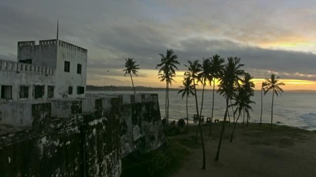 av elmina castle, ghana - fort stock videos & royalty-free footage