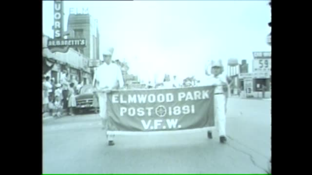 elmwood park memorial day parade on may 30 1962 in chicago illinois - anno 1962 video stock e b–roll