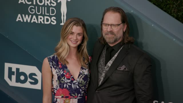 eloise dimase-nordling and jeffrey nordling at the 26th annual screen actors guild awards - arrivals at the shrine auditorium on january 19, 2020 in... - screen actors guild awards stock-videos und b-roll-filmmaterial