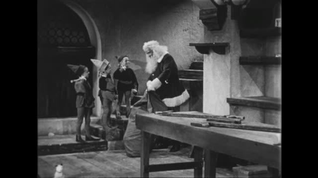 1941 Elves see Santa off on Christmas Eve
