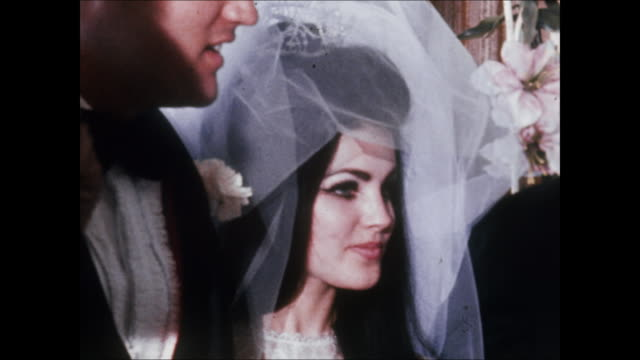 elvis and priscilla with guests at their wedding. elvis and priscilla were married on may 1 at the aladdin hotel in las vegas. hdcam-sr at 23.98fps:... - プリシラ プレスリー点の映像素材/bロール