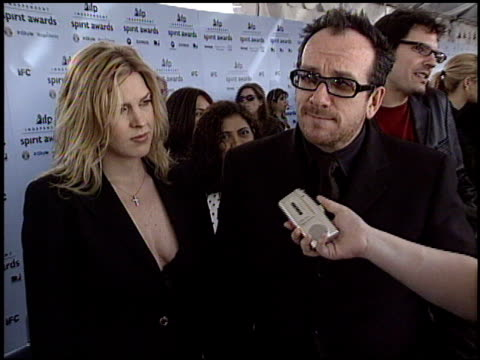 elvis costello at the 2003 ifp independent spirit awards on march 22, 2003. - elvis costello stock-videos und b-roll-filmmaterial