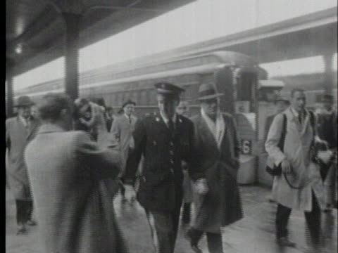 elvis presley comes home after completing military service, arriving at memphis union station in a us army dress uniform. - union army stock videos & royalty-free footage