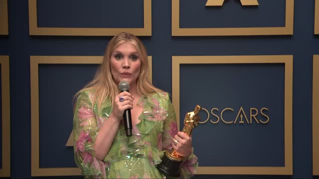 vidéos et rushes de emerald fennell at the93rd annual academy awards - press roomonapril25, 2021. - cérémonie des oscars