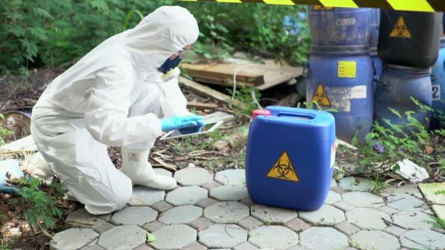 emergency biohazard leak - biology stock videos & royalty-free footage