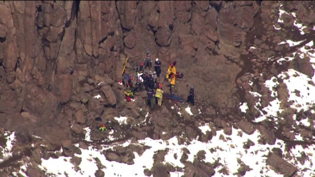 kdvr emergency crews rescued a 30yearold woman who was trapped under a 1500pound boulder while hiking on north table mountain on april 5 2017 - soccorritore video stock e b–roll