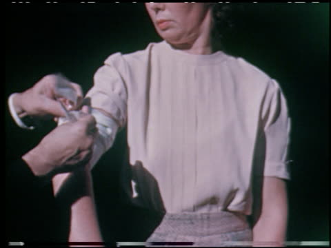 emergency first aid: a study in motion pictures to aid civil defense volunteers - 10 of 19 - この撮影のクリップをもっと見る 2146点の映像素材/bロール