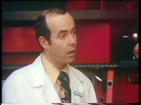 emergency specialist dr. ronald stewart talks about helping a choking victim quickly to prevent death. - atemhilfe stock-videos und b-roll-filmmaterial