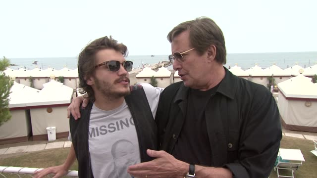 vidéos et rushes de emile hirsch and william friedkin play to the camera at the killer joe interviews venice film festival 2011 at venice - william friedkin