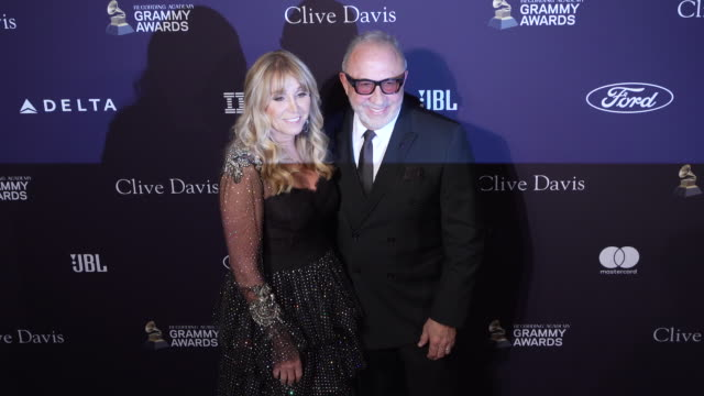 emilio estefan at the recording academy and clive davis' 2020 pregrammy gala at the beverly hilton hotel on january 25 2020 in beverly hills... - エミリオ エステファン点の映像素材/bロール