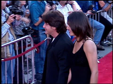 emilio estevez at the 'mission impossible' premiere on may 20, 1996. - emilio estévez video stock e b–roll