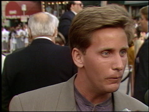 emilio estevez at the 'robin hood' premiere on june 10, 1991. - emilio estévez video stock e b–roll