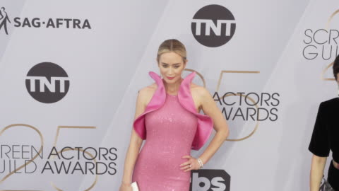 emily blunt at the 25th annual screen actors guild awards at the shrine auditorium on january 27, 2019 in los angeles, california. - screen actors guild stock videos & royalty-free footage