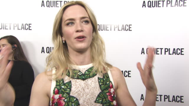 interview emily blunt on being proud john krasinski being love be scared horror films bring up social films silence being another bad guy putting her... - proiezione evento pubblicitario video stock e b–roll