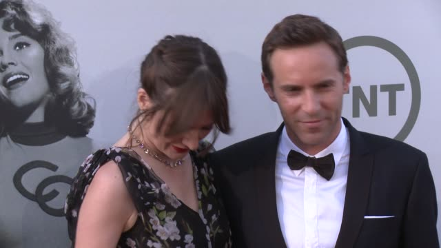 stockvideo's en b-roll-footage met emily mortimer and alessandro nivola at afi's 42nd life achievement award honoring jane fonda at dolby theatre on june 05, 2014 in hollywood,... - alessandro nivola