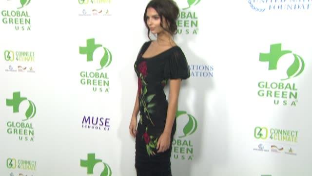 vídeos de stock, filmes e b-roll de emily ratajkowski at global green usa 13th annual preoscar® party in los angeles ca - global green usa