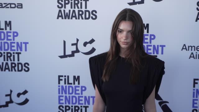 emily ratajkowski at the 2020 film independent spirit awards on february 08, 2020 in santa monica, california. - film independent spirit awards stock videos & royalty-free footage