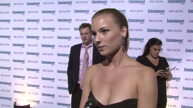 emily vancamp, stars at the entertainment weekly 6th annual pre-emmy party at los angeles ca. - エミー賞前夜祭パーティー点の映像素材/bロール
