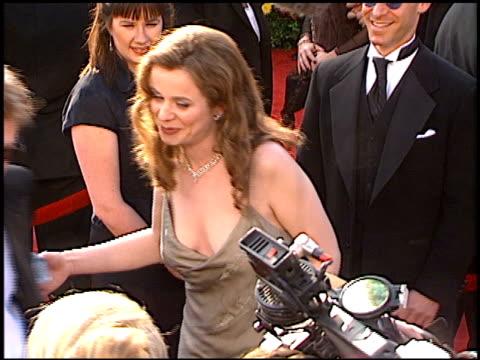 emily watson at the 1997 academy awards arrivals at the shrine auditorium in los angeles, california on march 24, 1997. - oscarsgalan 1997 bildbanksvideor och videomaterial från bakom kulisserna