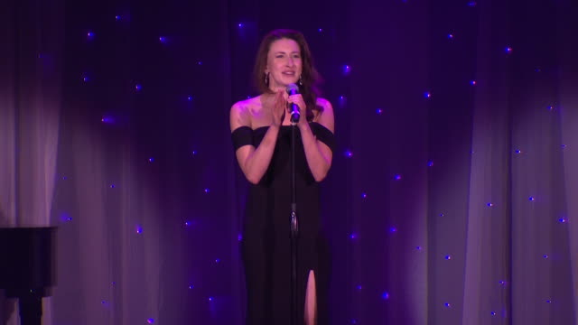 emma duncan sings at the 2018 princess grace awards gala at cipriani 25 broadway on october 11, 2018 in new york city. - マンハッタン チプリアーニ点の映像素材/bロール