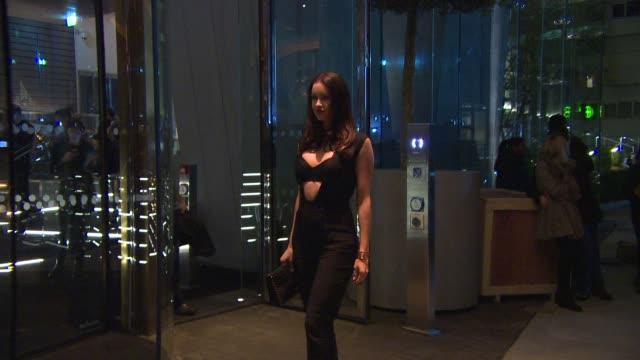 emma millar at mondrian hotel - launch party at mondrian hotel on october 09, 2014 in london, england. - モンドリアンホテル点の映像素材/bロール