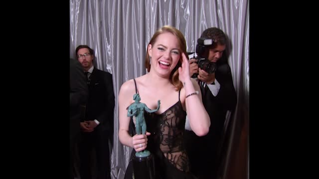 GIF Emma Stone at 23rd Annual Screen Actors Guild Awards Press Room Photo Room