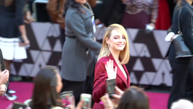 GIF Emma Stone at Dolby Theatre on March 04 2018 in Hollywood California