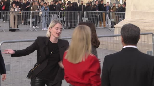 emma stone attends the louis vuitton show as part of the paris fashion week womenswear fall/winter 2019/2020 on march 5 2019 in paris france - avvistamenti vip video stock e b–roll