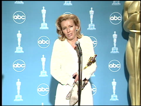 emma thompson at the 1996 academy awards at the shrine auditorium in los angeles california on march 25 1996 - emma thompson stock videos & royalty-free footage