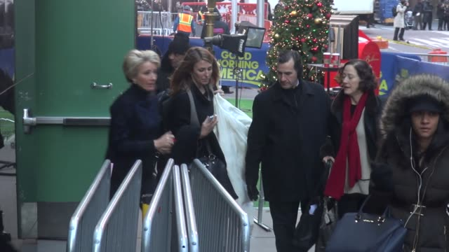 emma thompson exits good morning america and runs to her car in new york city celebrity sightings in new york city ny on 12/11/13 - emma thompson stock videos & royalty-free footage