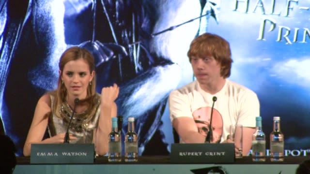 emma watson and rupert grint on a quote by daniel radcliffe that the cast were horny during the past two films at the harry potter and the halfblood... - ensemblemitglied stock-videos und b-roll-filmmaterial