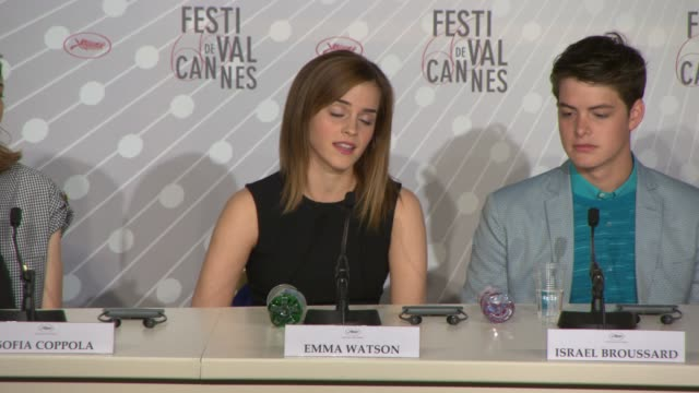 vidéos et rushes de emma watson on celebrity culture in the uk, moving on from harry potter at the bling ring press conference at palais des festivals on may 16, 2013 in... - harry potter titre d'œuvre