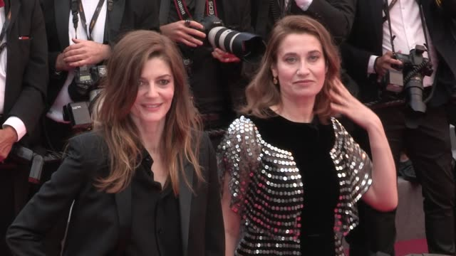 emmanuelle devos and chiara mastroianni mia frye deniz gamze erguven and more on the red carpet for the premiere of blackkklansman at the cannes film... - 71st international cannes film festival stock videos & royalty-free footage