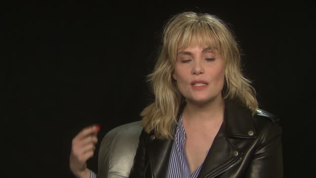 stockvideo's en b-roll-footage met interview emmanuelle seigner on working with director roman polanski at 'venus in fur' interviews on may 26 2013 in cannes france - roman polanski