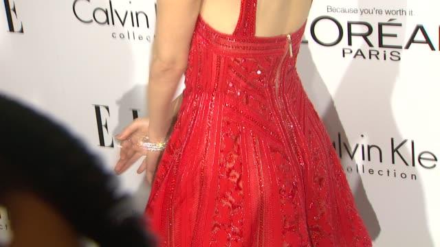 vídeos de stock, filmes e b-roll de emmy rossum at 20th annual elle women in hollywood in beverly hills ca on 10/21/13 - emmy rossum