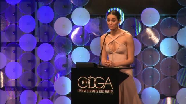 vídeos de stock, filmes e b-roll de speech emmy rossum at the 17th costume designers guild awards in los angeles ca - emmy rossum