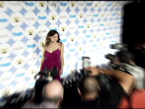 vídeos de stock, filmes e b-roll de emmy rossum at the people magazine and the recording academy announce 2007 grammy awards kickoff party at avalon in hollywood california on december... - emmy rossum