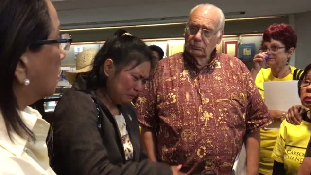 vídeos de stock, filmes e b-roll de emotions ran high at the carson city council meeting as monette gavino a former city employee confronted the city council and mayor albert robles she... - lawsuit
