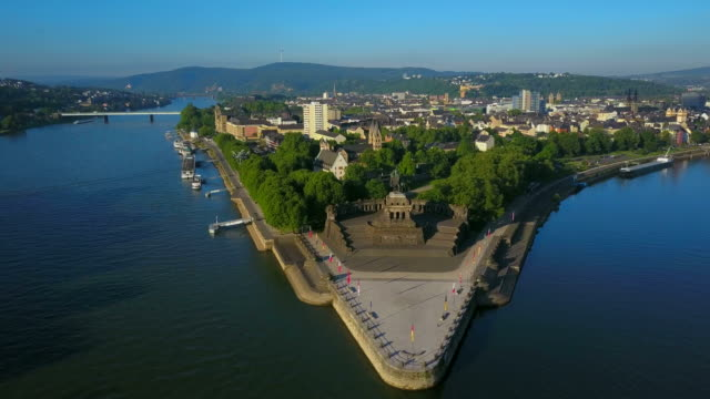 emperor william i memorial at deutsches eck, german corner, koblenz, rhineland-palatinate, germany - geschichtlich stock-videos und b-roll-filmmaterial