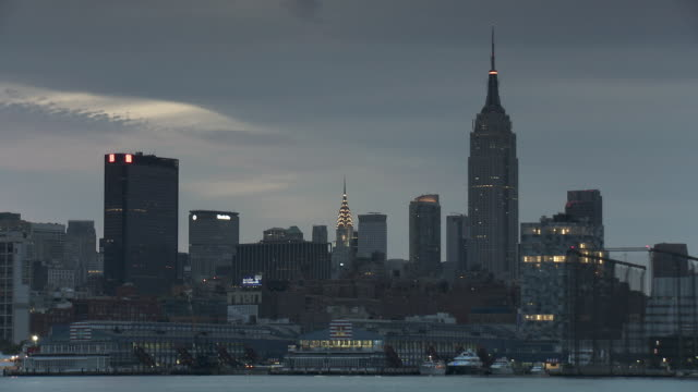 t/l ws empire state building and chrysler building at dawn / new york city, new york, usa - 2010 stock videos & royalty-free footage