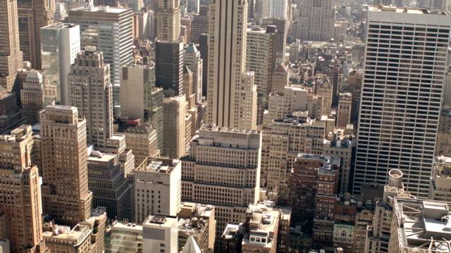 vídeos de stock, filmes e b-roll de empire state building e de manhattan - grande