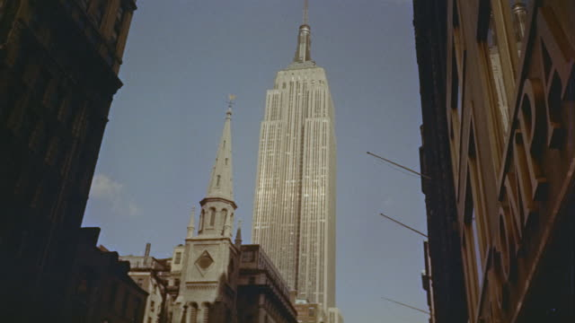 vídeos de stock e filmes b-roll de 1956 montage empire state building / manhattan, new york - 1956