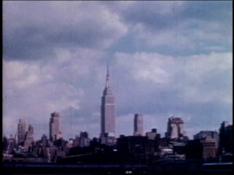 1962 zi empire state building / new york, new york, united states - 1962年点の映像素材/bロール