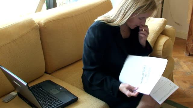 vidéos et rushes de l'emploi - hot desking