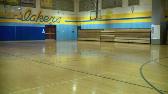 WS Empty basketball court, Cazenovia, New York, USA