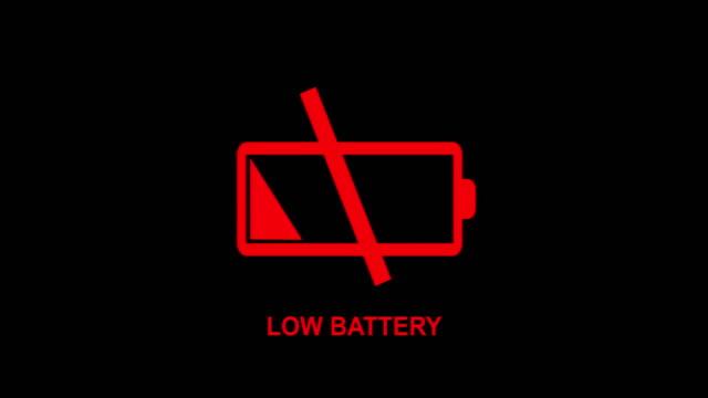 vídeos de stock, filmes e b-roll de esvazie a animação de alerta de bateria 4k - baixo posição