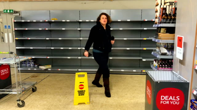 empty bread shelves seen in a supermarket on march 2 2018 in central edinburgh scotland weather fronts dubbed storm emma and the beast from the east... - shelf stock videos & royalty-free footage